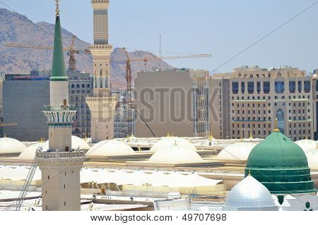 Prophet's Mosque green dome in medina