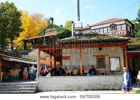 Metsovo Village, Greece-october 11: The Tourists Enjoing Their Vacation In Metsovo Village On Octobe