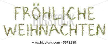 Fichte Zweige bilden die Phrase 'Fröhliche Weihnachten'