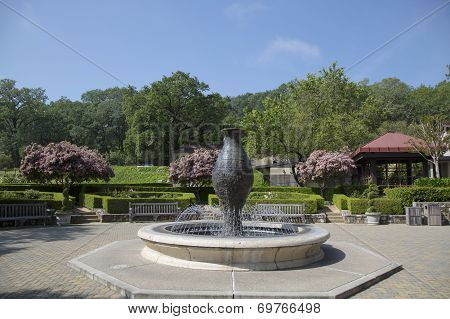 Beringer Vineyards fountain in Napa Valley