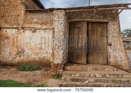 HARAR, ETHIOPIA - JULY 26: Buda Gate, also known as Badro bari Karra Budawa or Hakim Gate, is one of the entrances to Jugol the fortified historic walled city included in the World Heritage List by UNESCO. JULY 26, 2014 HARAR, ETHIOPIA.