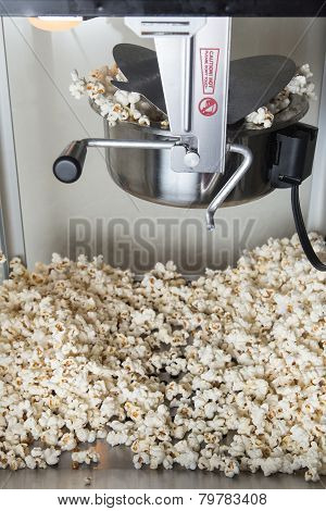 Popcorn Machine Popping