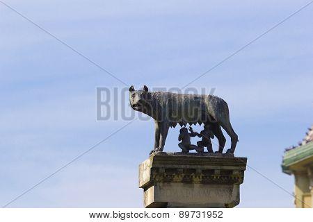 Romulus And Remus Sculpture