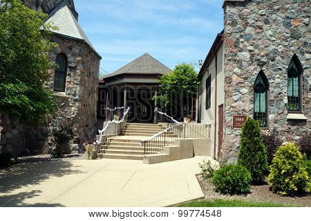 Entrance to the First Presbyterian Church