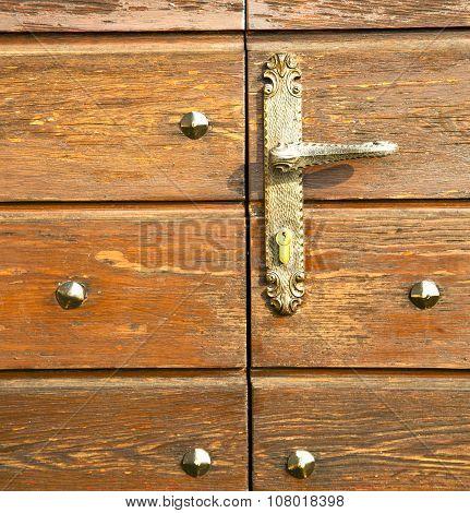 Cheglio   Door Curch  Closed Wood Italy  Lombardy