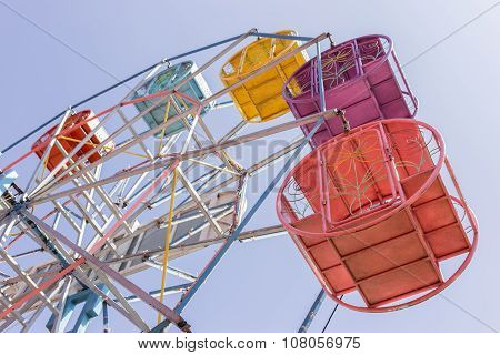 Thailand Ferris wheel old style. Thai Ferris wheel high about 15-25 m. for easy dislocate.
