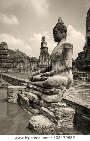 Seated Buddha statue in Ayutthaya, Thailand