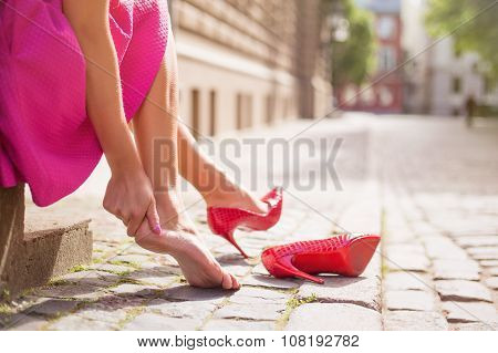 Woman with injured ankle