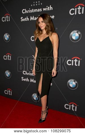 LOS ANGELES - NOV 14:  Katharine McPhee at the The Grove Christmas with Seth MacFarlane 2015 at the The Grove on November 14, 2015 in Los Angeles, CA