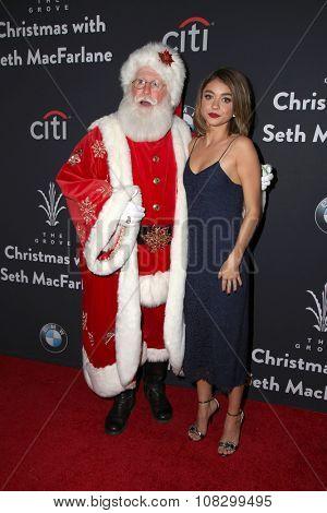 LOS ANGELES - NOV 14:  Santa Claus, Sarah Hyland at the The Grove Christmas with Seth MacFarlane 2015 at the The Grove on November 14, 2015 in Los Angeles, CA