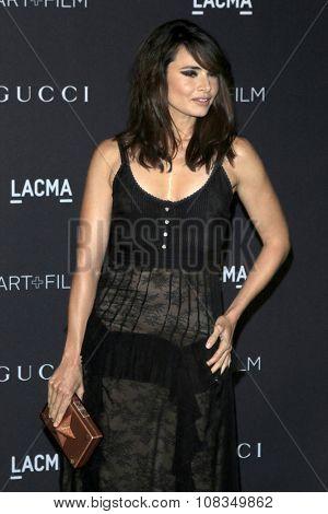 LOS ANGELES - NOV 7:  Mia Maestro at the LACMA Art + Film Gala at the  LACMA on November 7, 2015 in Los Angeles, CA