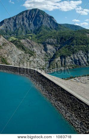 Serre-PonçOn Dam (Alp- France)