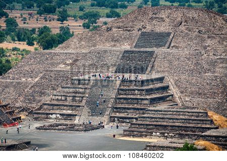 Pyramid of the Moon, Teotihuacan Pyramids