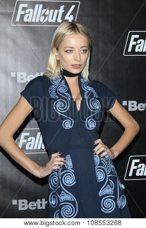 LOS ANGELES - NOV 05:  Caroline Vreeland at the Fallout 4 video game launch  at the downtown on November 05, 2015 in Los Angeles, CA