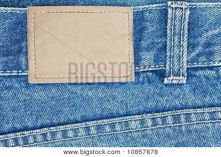 leere Leder Etikett auf jeans
