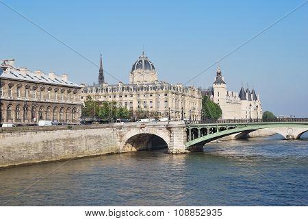 Beautiful Quay In Paris