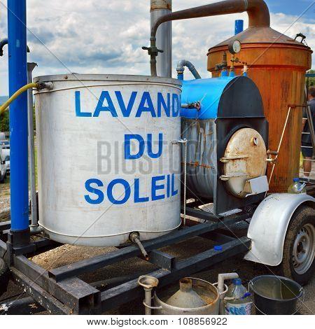 Apparatus For Distillation