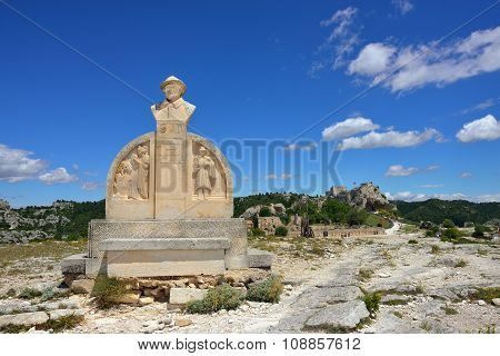 Les Baux, Monument Of Charloun Dou Paradou