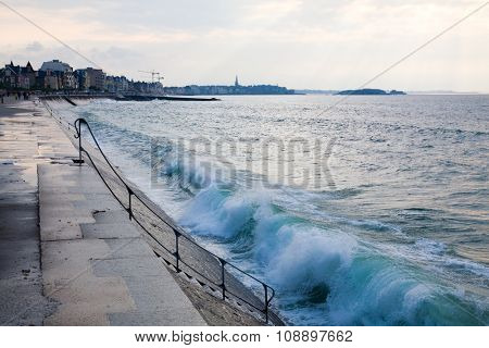 Blue wave at Saint-Malo, view from Rochebonne