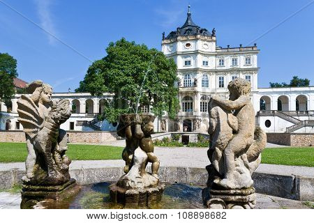 baroque castle and park, Ploskovice near Litomerice, North Bohemia, Czech republic, Europe