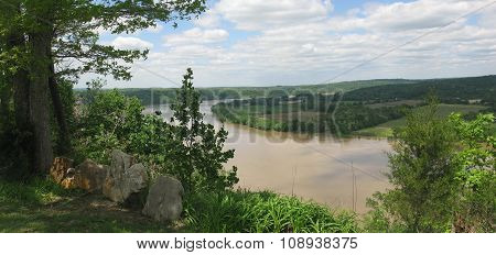 A View of the Ohio River from Artist Point