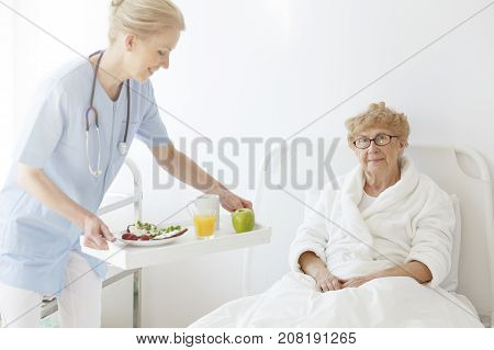 Doctor Brought Food To Senior