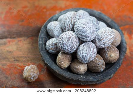 Tasty Winter Spice Whole Dried Nutmeg, Used As An Ingredient In Many Dishes, Eggnog, Mulled Wine, Cl