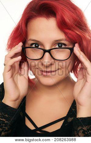 glasses-sexy-teen-weird-amateur-girl-pissing