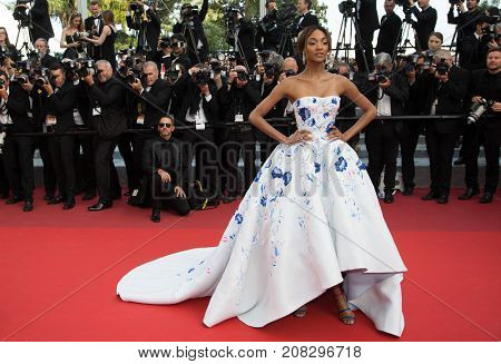 CANNES, FRANCE - MAY 18: Jourdan Dunn attends the 'The Unkown Girl (La Fille Inconnue)'  premiere during the 69th annual Cannes Film Festival at the Palais des Festivals on May 18, 2016 in Cannes