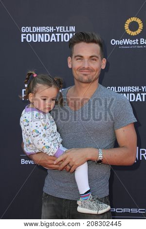 LOS ANGELES - OCT 8:  Kevin Zegers, Zoe Zegers at the P.S. ARTS' Express Yourself 2017 at the Barker Hanger on October 8, 2017 in Santa Monica, CA