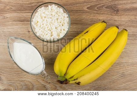Bowl With Cottage Cheese, Yogurt In Gravy Boat, Yellow Bananas