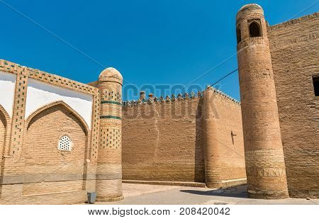 Crossroads at Itchan Kala fortress in the historic center of Khiva. UNESCO world heritage site in Uzbekistan, Central Asia