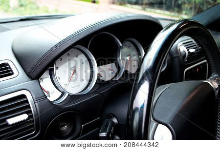 the car speed dial is located on the control panel with the right-hand drive of the car