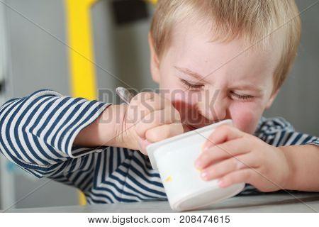 Funny Babe Boy Blondes Licks  Finger With Yogurt
