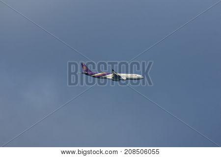 Hs-tet Airbus A330-300 Of Thaiairway Tg613.