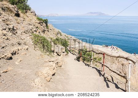 New World, Crimea - 12 July, The path goes down to the sea, 12 July, 2017. Travel along the coast along the path of Prince Golitsyn.