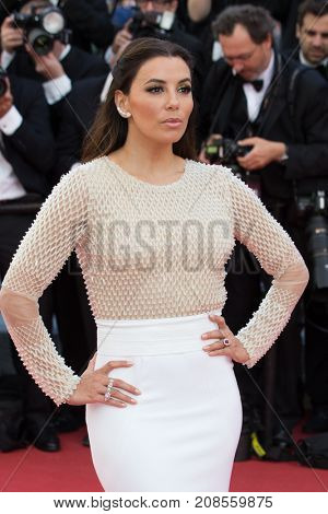 CANNES, FRANCE - MAY 11:  Eva Longoria attends the 'Cafe Society' premiere and the Opening Night Gala during the 69th annual Cannes Film Festival at the Palais des Festivals on May 11, 2016 in Cannes