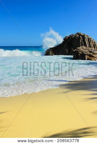 Getaway Waves Scene