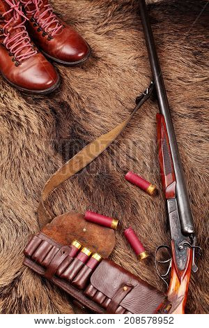 Hunting Double Barrel Vintage Shotgun, Leather Boots,leather Bandolier Mmunition, On The Wild Boar F