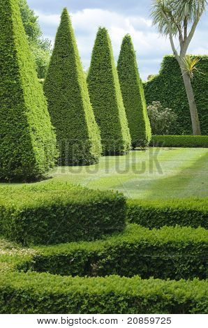English Boxwood Garden Design