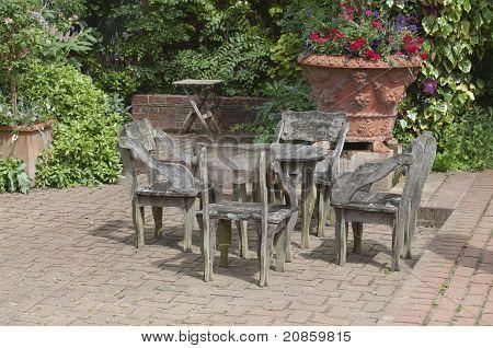 English Garden Table