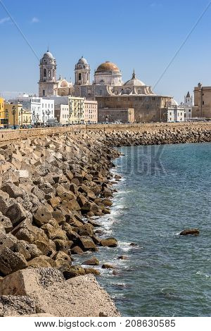 Looking along the sea front towards the city of Cadiz