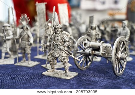 The tin Soldiers Samurai and the Cannon