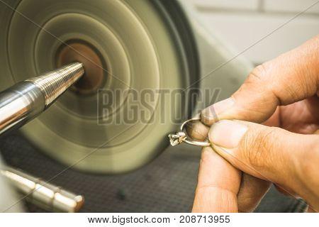 Maintenance Of Precious Diamond Ring