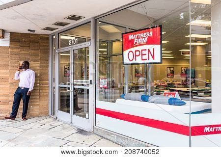 Silver Spring, Usa - September 16, 2017: Mattress Firm Warehouse Store Entrance Facade And Sign With