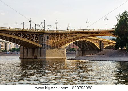 The three-way Margaret Bridge over the Danube connects Buda and Pest and links Margaret Island to the banks - Budapest, Hungary