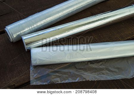 kitchen utensils and tools, aluminum foil used in kitchen, refrigerator bag, and stretch film pictures,