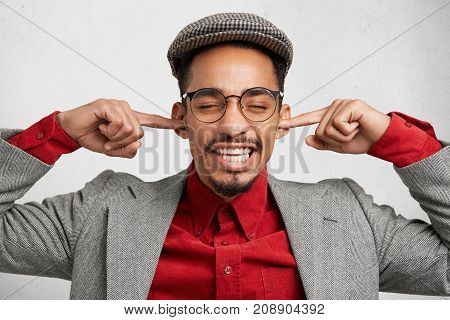 Funny Bearded Guy Wears Old Fashionable Clothes, Plugs Ears As Ignores Wife`s Remarks And Orders, Fe