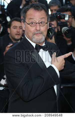 CANNES, FRANCE - MAY 20: Jean Reno  attends the 'The Last Face' premiere. 69th annual Cannes Film Festival at the Palais des Festivals on May 20, 2016 in Cannes