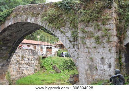 Beautiful Roman Bridge That Really Was Built In The 16th Century By Bartolome De La Hermosa In Lierg